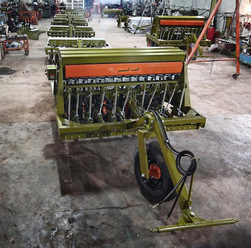 دستگاه عمیقکار دیم DD225 ساخت شرکت کشت گستر تبریز
